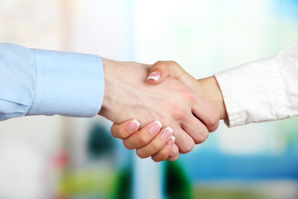 trianglevrh-triangle-veterinary-referral-hospital-tvrh-Business-handshake.jpg