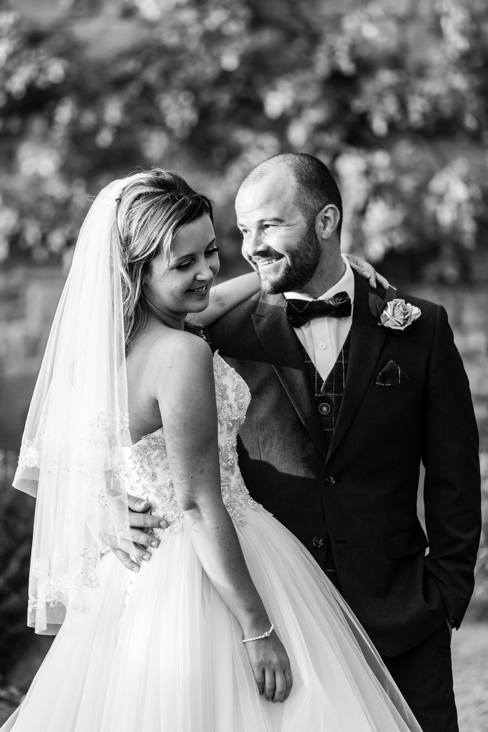 black and white wedding photos at villa le fontanelle