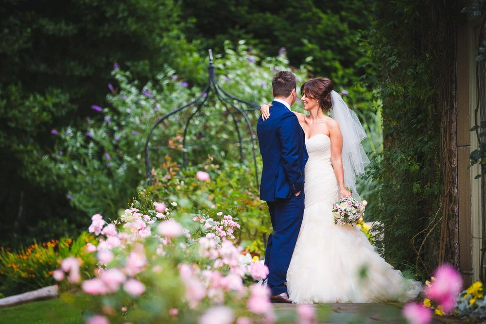 wedding photos at miskin manor