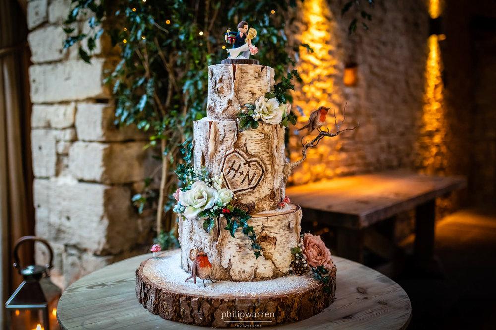 wedding cake that looks like a tree