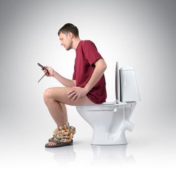 toilet_man(Fotolia).jpg