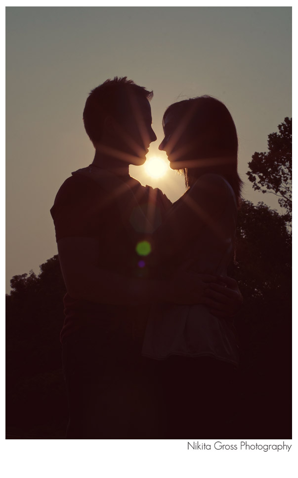 silhouette-flare-couple