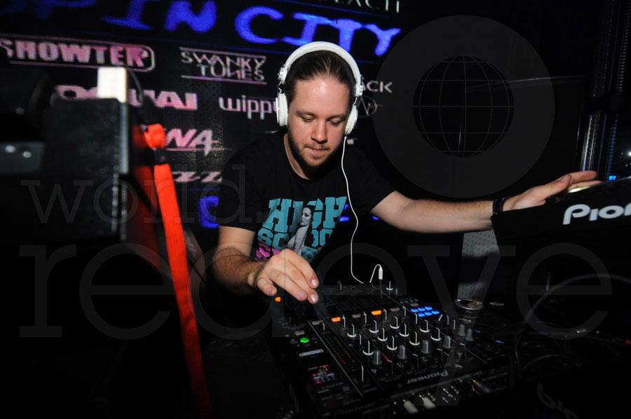 DJ-John-Dahlback7.jpg