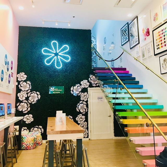 Found this adorable store today. Love the interior and know where I'm buying my next planner #erincondren #atxdesign #livecolorfully