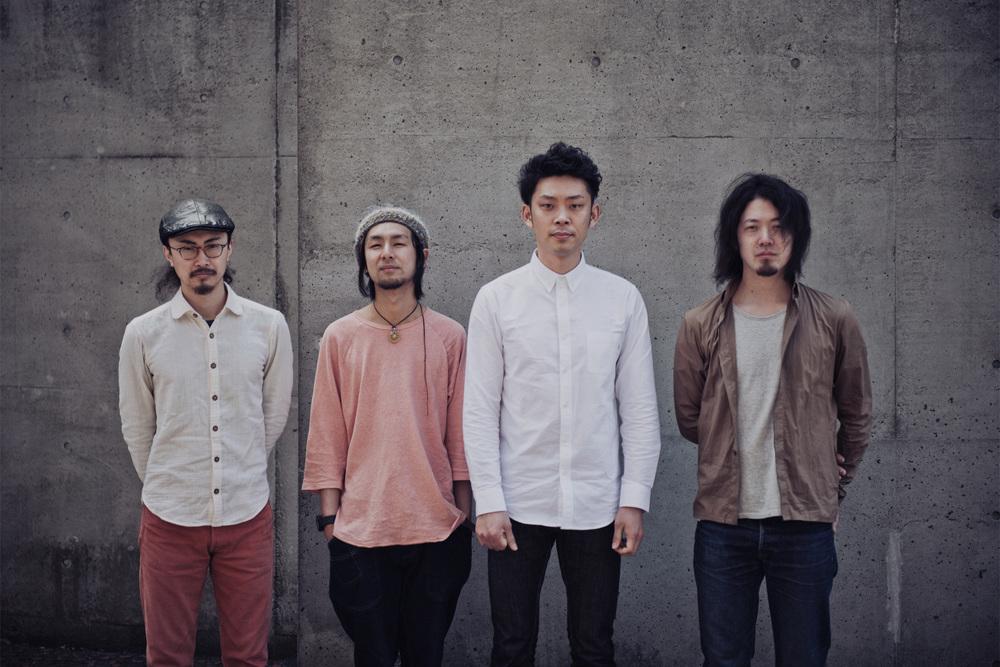 Itaru Horikawa (base guiter), Kanade Kageyama (guiter), Yu Kawakami (Piano & Drums), Hiraku Yamamoto (Violin)