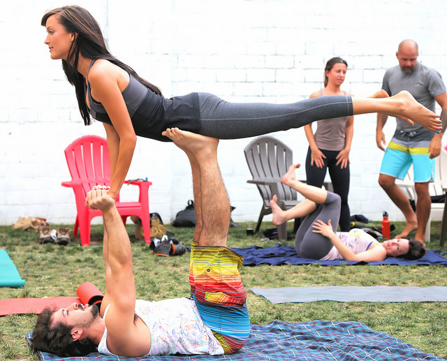 An Introduction Into Acro Yoga A Beginners Guide Learn About This
