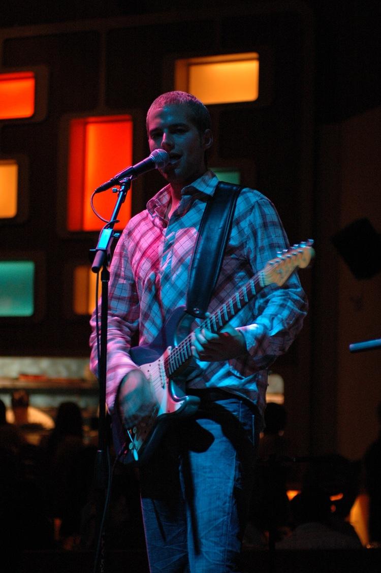 phil-higgins-guitar-02.jpg