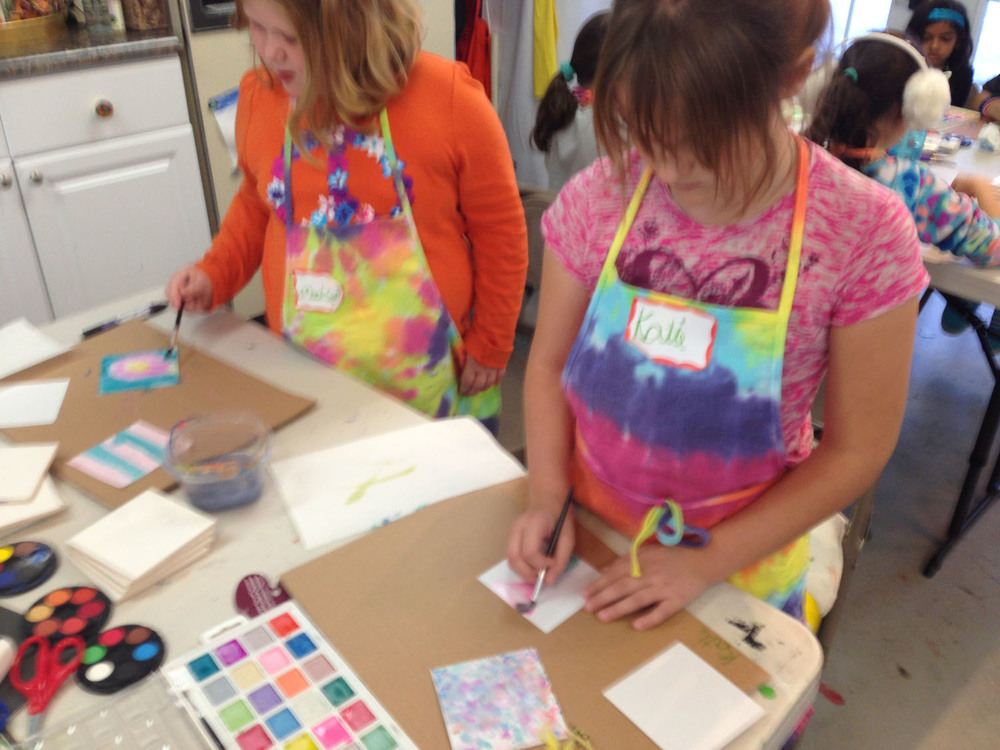 girls-making-art-at-camp-art-by-tjm-studio-greensboro-img_7171.jpg