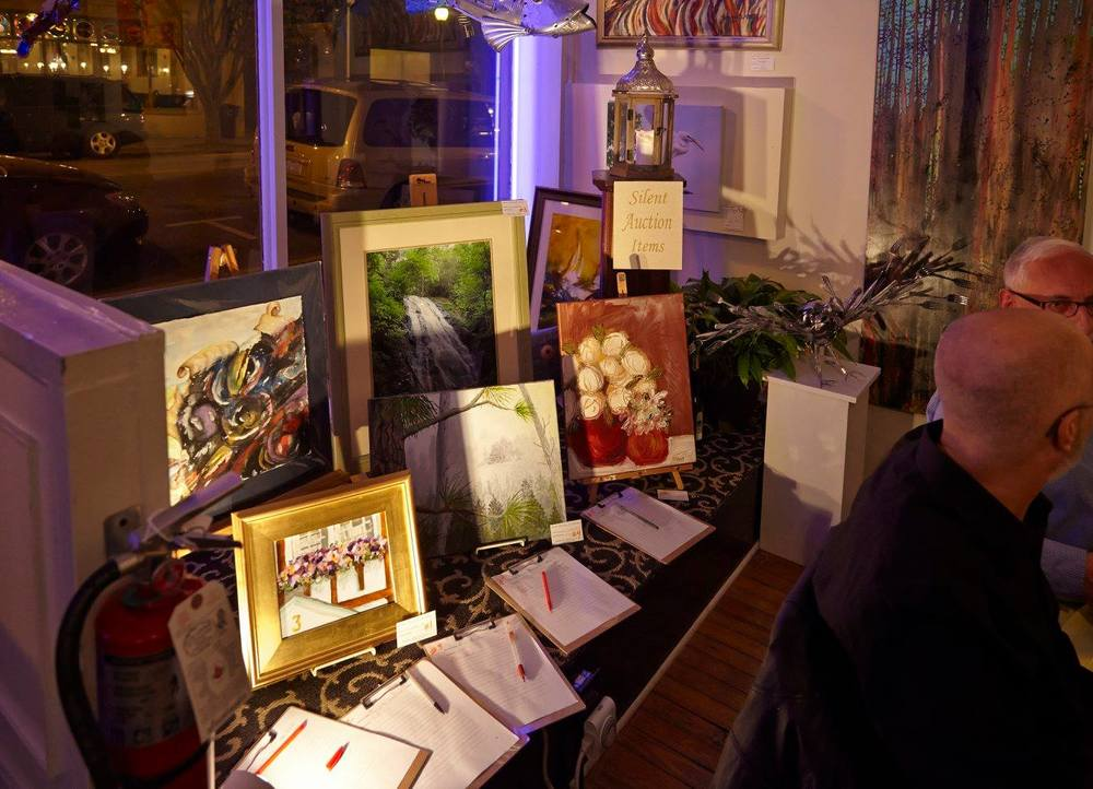 canvas-and-cuisine-at-artmongerz-greensboro-tracey-marshall-collaboration-event-03.jpg