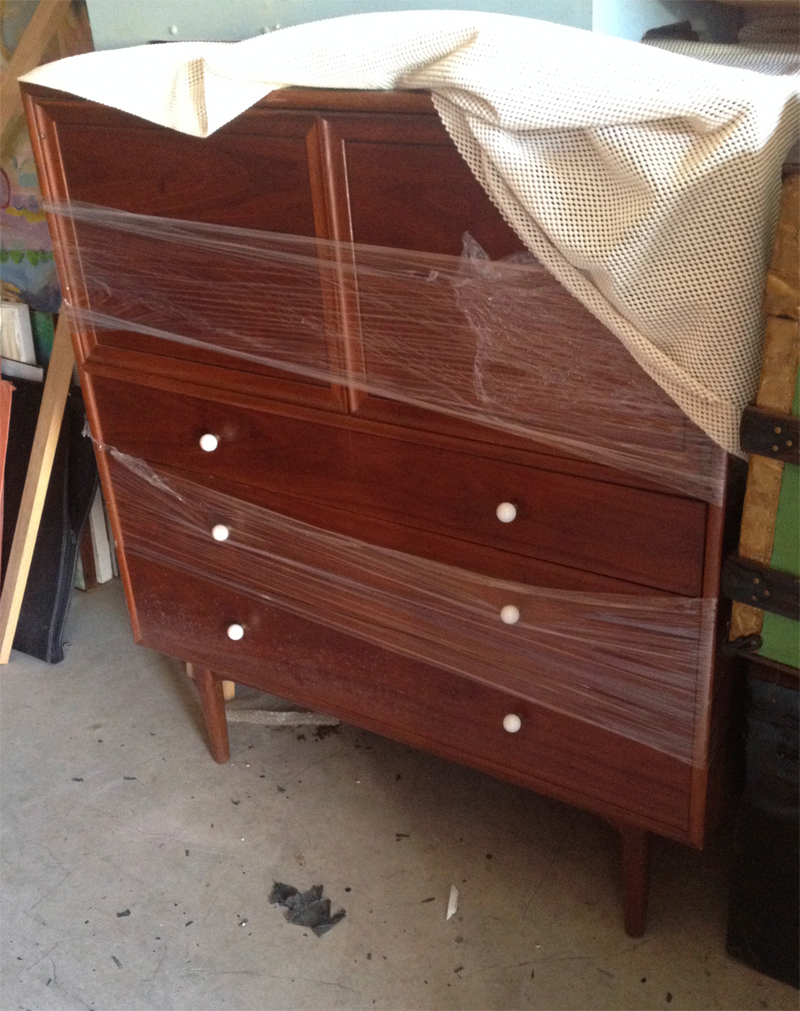 Bachelor's Dresser Walnut