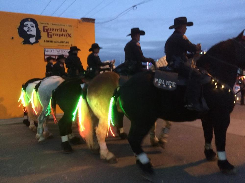 "Albuquerque Mounted Patrol -  ""Christmas"" setting"