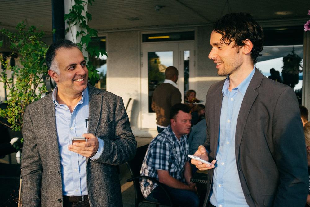Skådespelare Alireza och Brynjar.