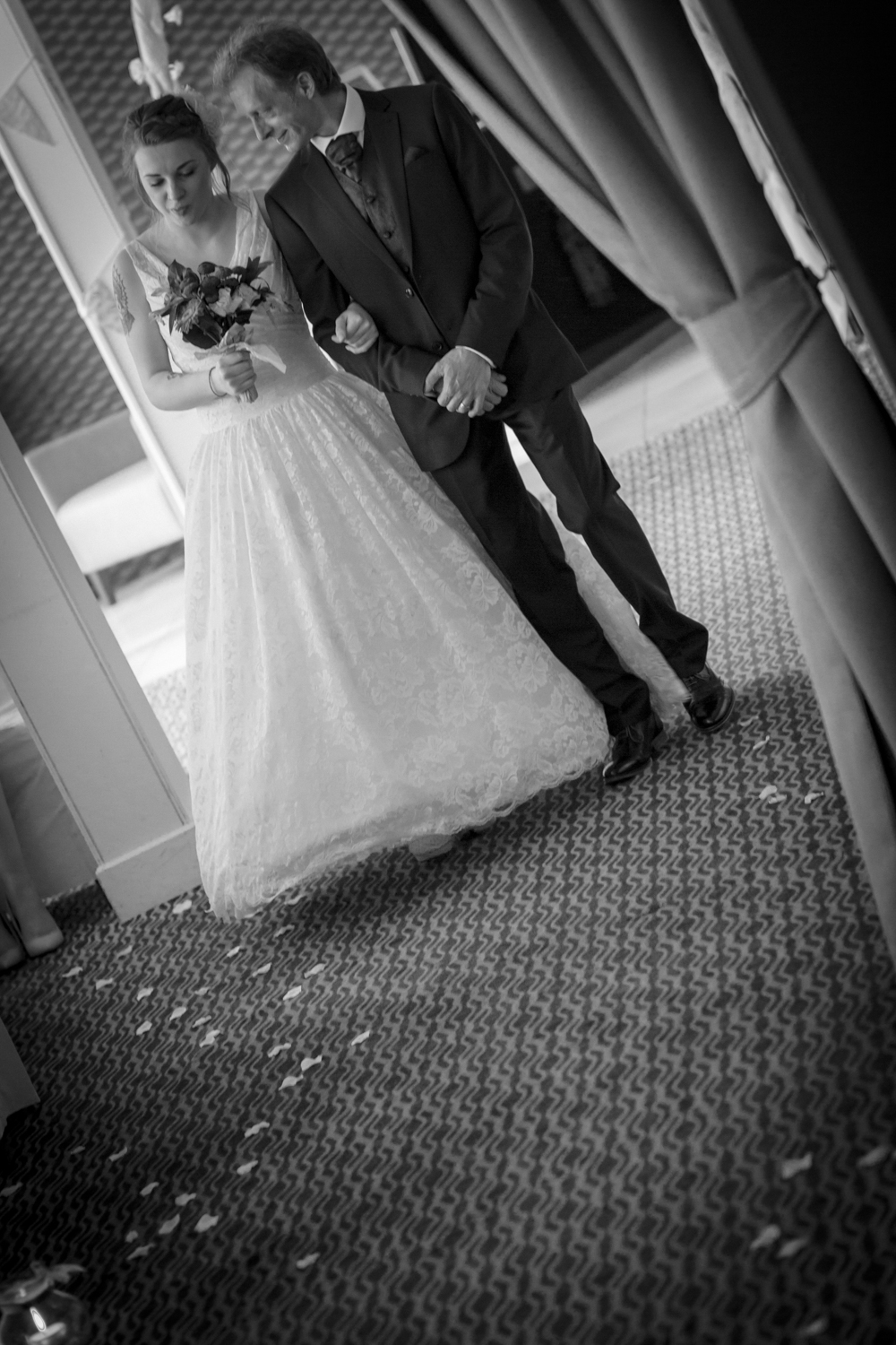 Anna and Aarron's wedding day-17.jpg