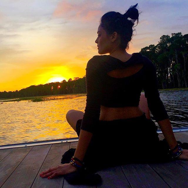 Full wrist with @osiyanparis beads during Sunset Meditation with @aparisianinamerica 🙏🏽