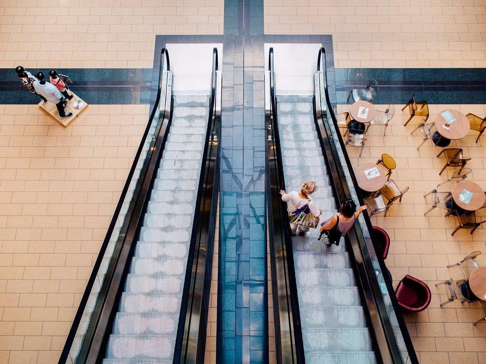 mall-893205_1920.jpg