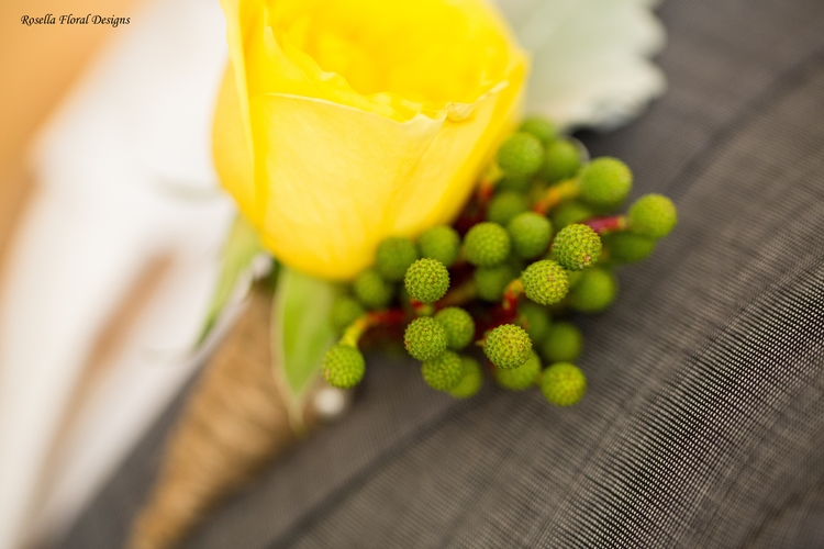 rustic_style_buttonhole.jpg