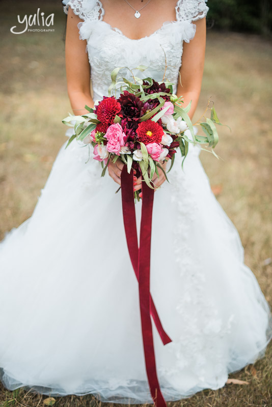 Burgundy red bridal boquet.jpg