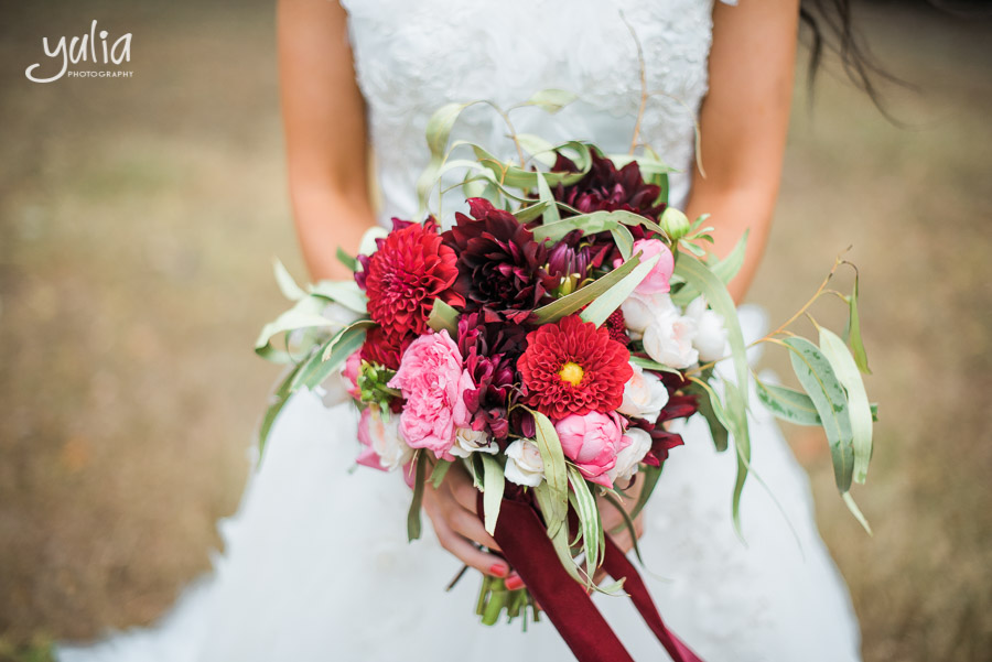 winter bridal bouquet.jpg