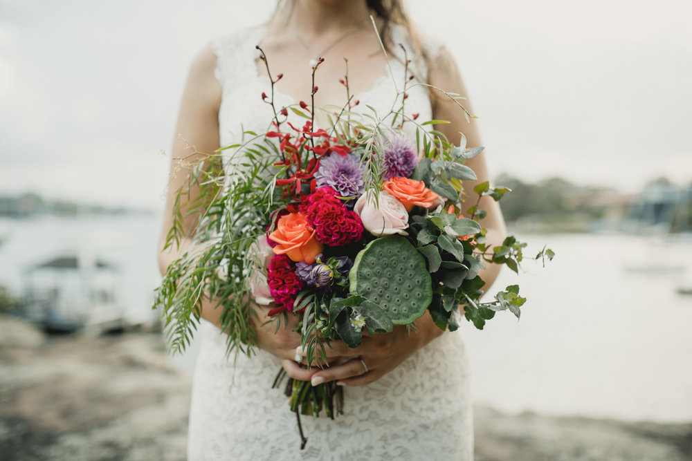Loose natural bridal bouquet.jpg