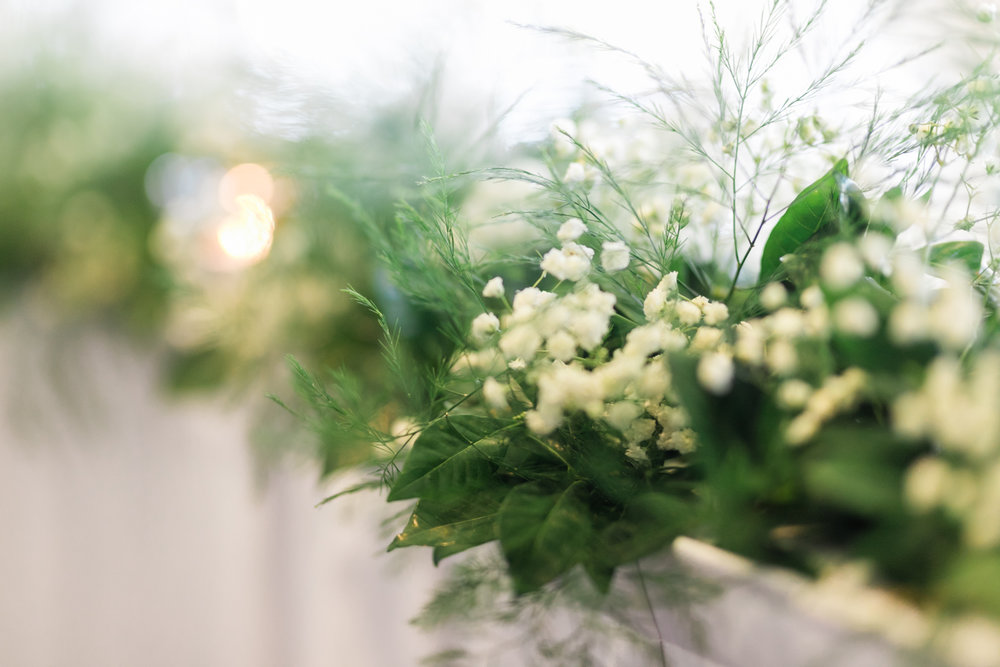 baby's breath wedding arrangement bridal table.jpg