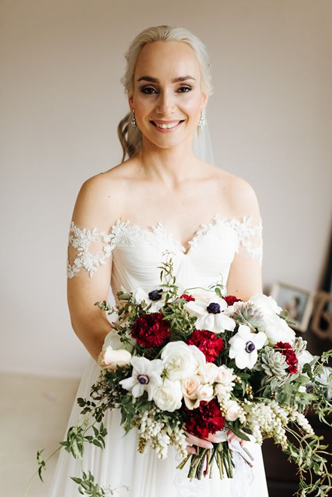 Bridal bouquet loose wild style.jpg