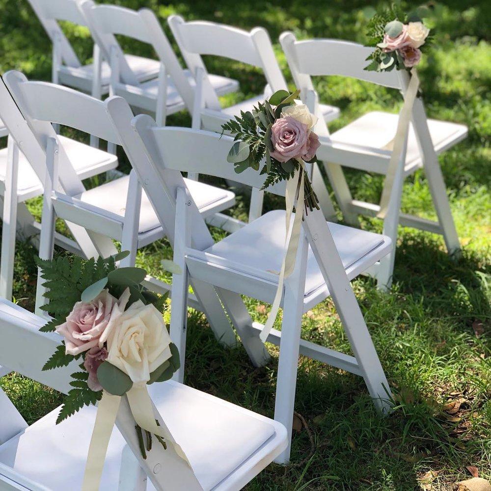 Aisle flowers.jpg