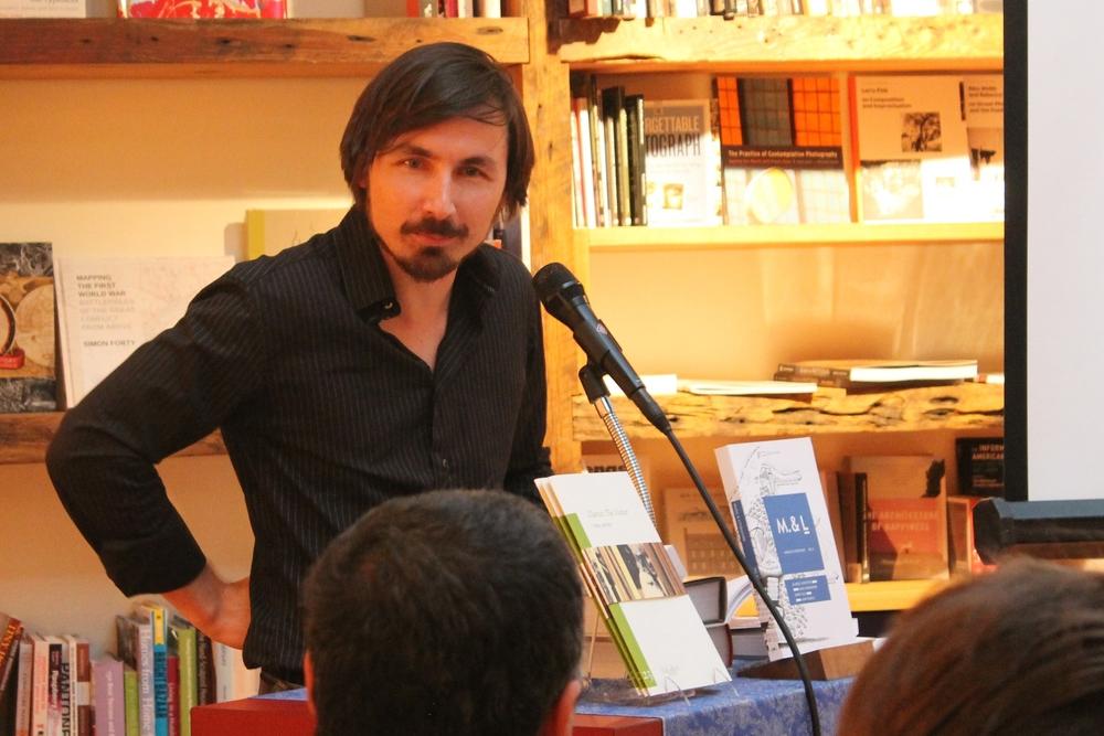 Stefan Tobler reads from Clarice Lispector's  Agua Viva  at BookCourt © Rachel Caplan