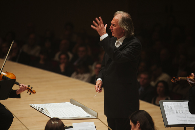 Tõnu  Kaljuste conducts  Fratres  at Carnegie Hall. May 31, 2014. Photo: Eleri Ever.