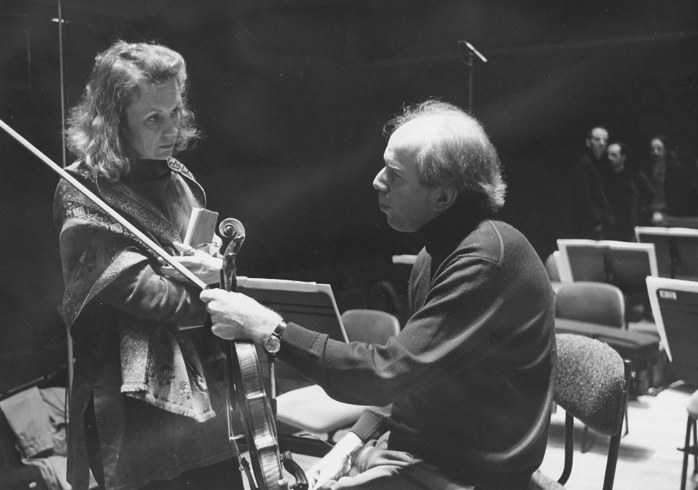 Kaija Saariaho with Gidon Kremer at the Maison de la Radio, Paris. Courtesy of Kaija Saariaho.
