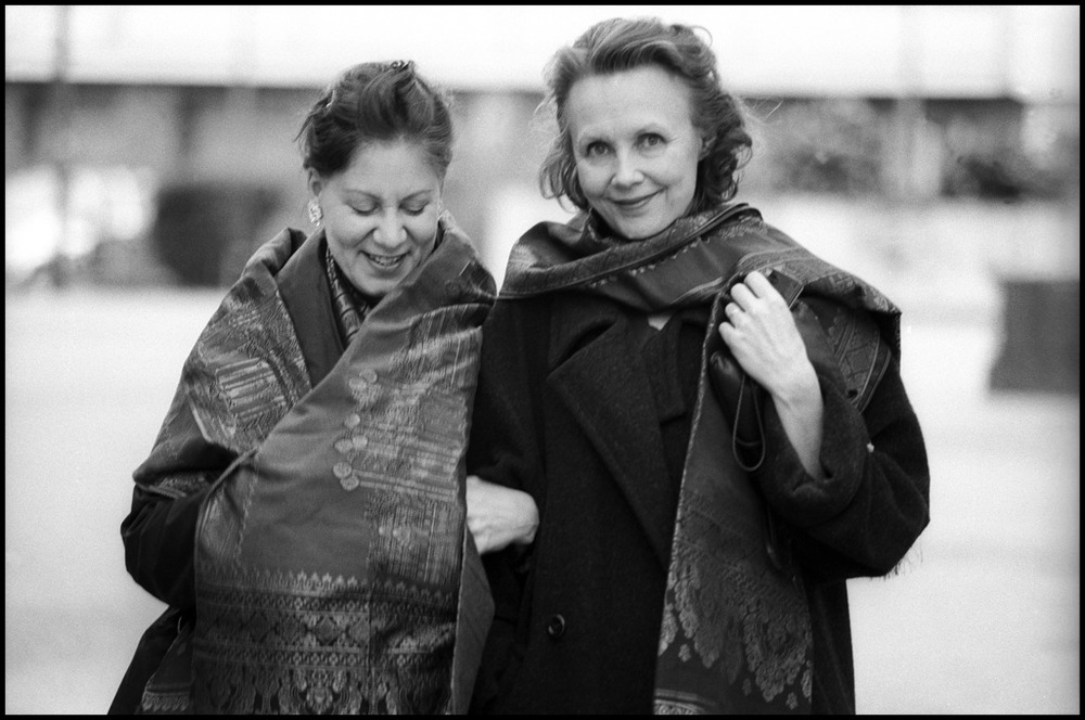Camilla Hoitenga and Kaija Saariaho in Clermont Ferrand, France, in 2008, after a performance of Aile du songe. Copyright Jean-Louis Fernandez.