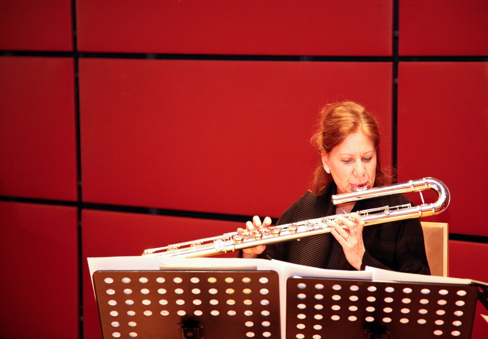 Camilla Hoitenga performs   Mirrors (I)   for bass flute and cello.