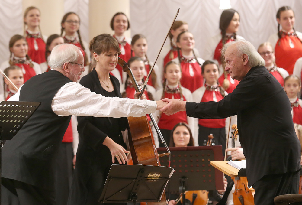 "Gidon Kremer, Giedre Dirvanauskaite, and conductor Roman Kofman after a performance of ""Dedication to the Ukrainian People"" at Philharmonic Hall in Kiev on November 17, 2014. P   hoto by Mykola Tymchenko."