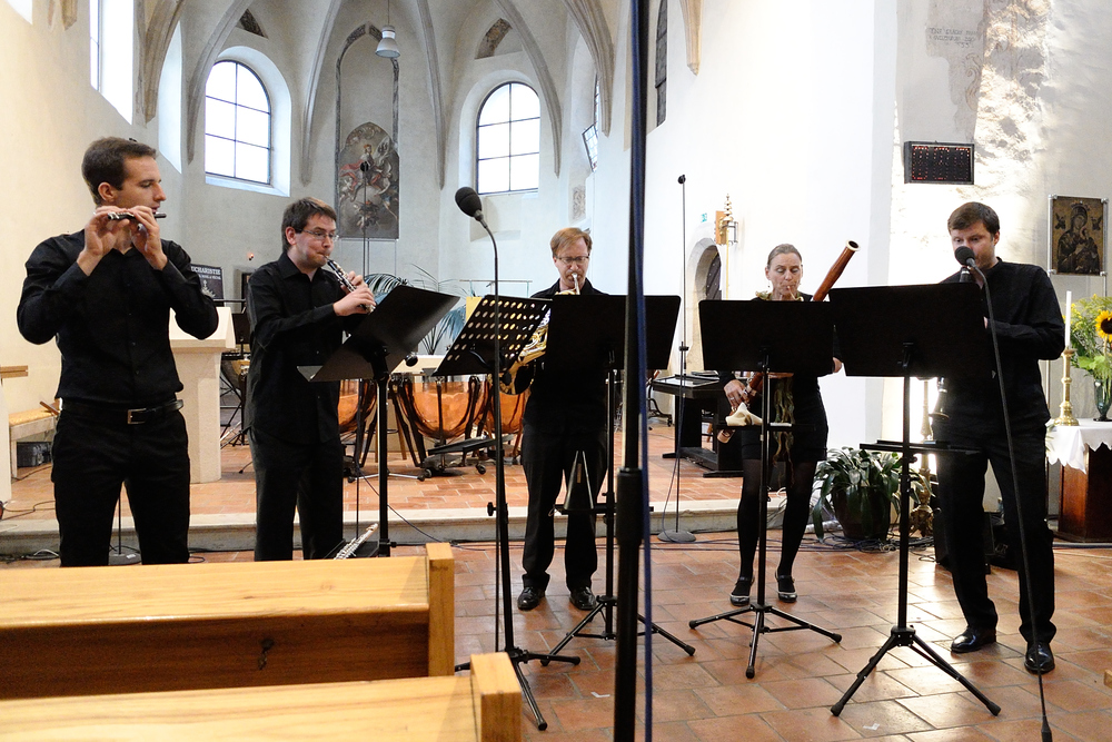 Members of  Ostravská Banda  performing Ligeti's  Six Bagatelles