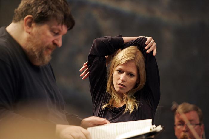 Barbara Hanniganwith composer-conductor Oliver Knussen(image credit: Stefan Bremer)