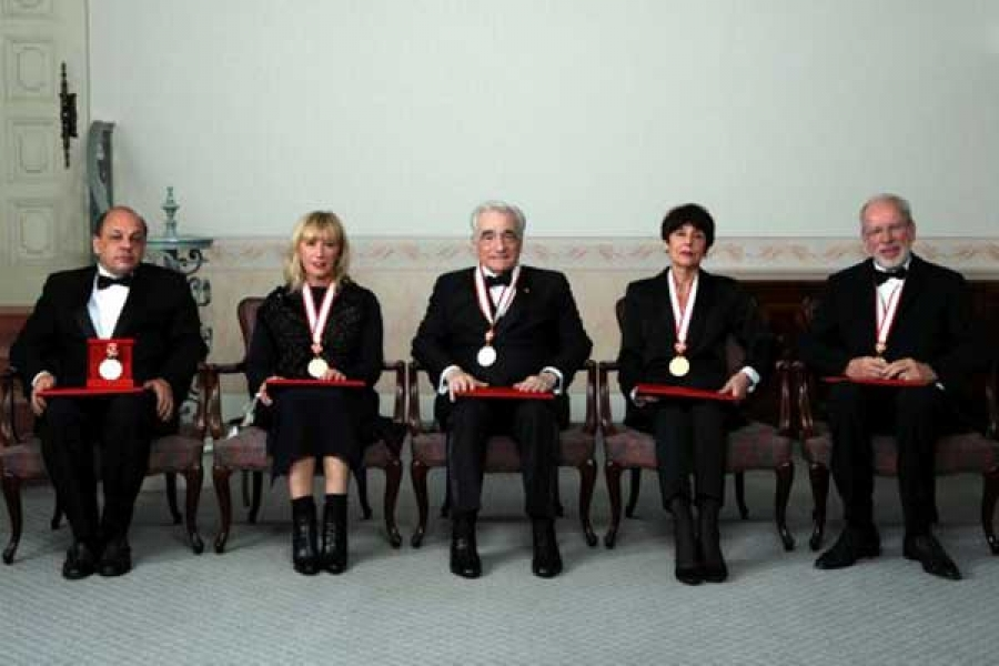 Left to right:    Paulo Mendes da Rossa,    Cindy Sherman, Martin Scorsese, Annette Messager, Gidon Kremer.  © The Japan Art Association/The Sankei Shimbun