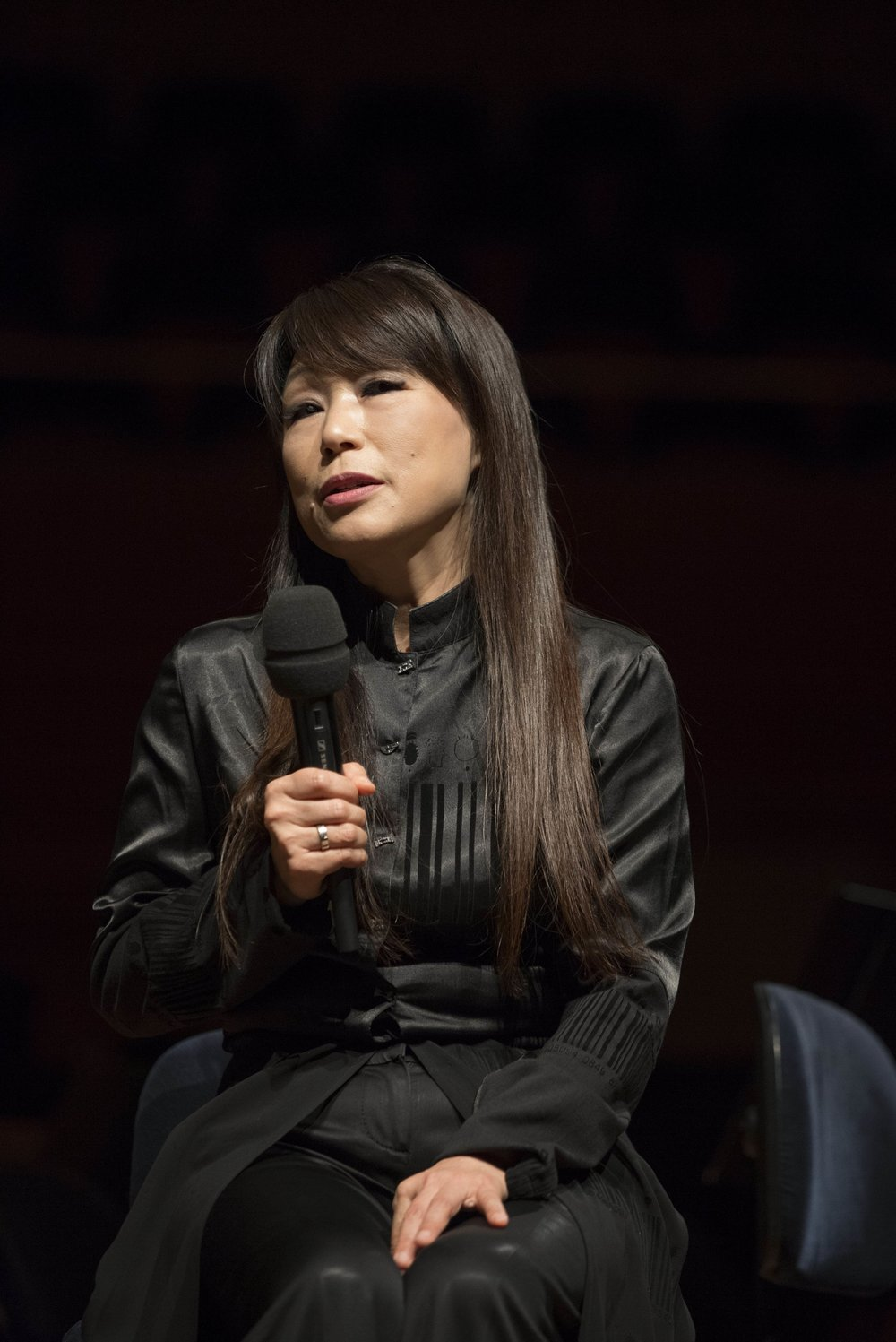 Unsuk Chin introduces  Le Silence des Sirènes  for soprano and orchestra at the 2014 Lucerne Festival  .   Photograph courtesy of the Lucerne Festival. Copyright Priska Ketterer/Lucerne Festival.