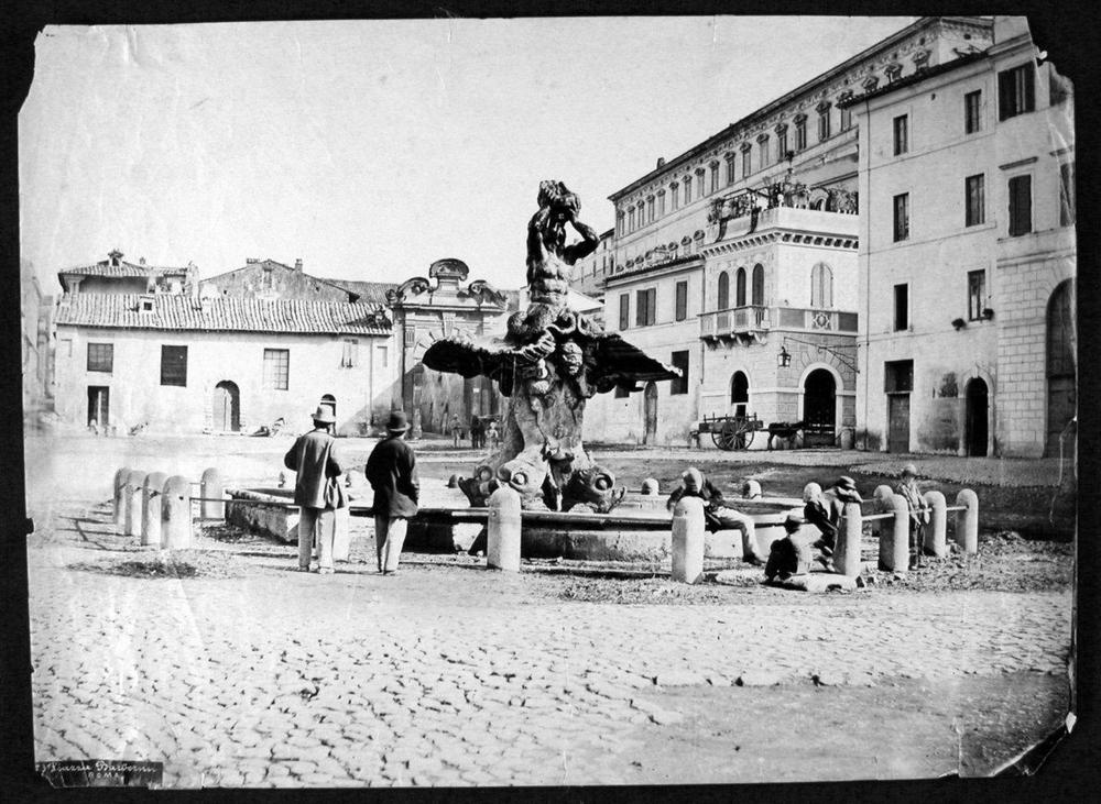 Piazza Barberini.jpg