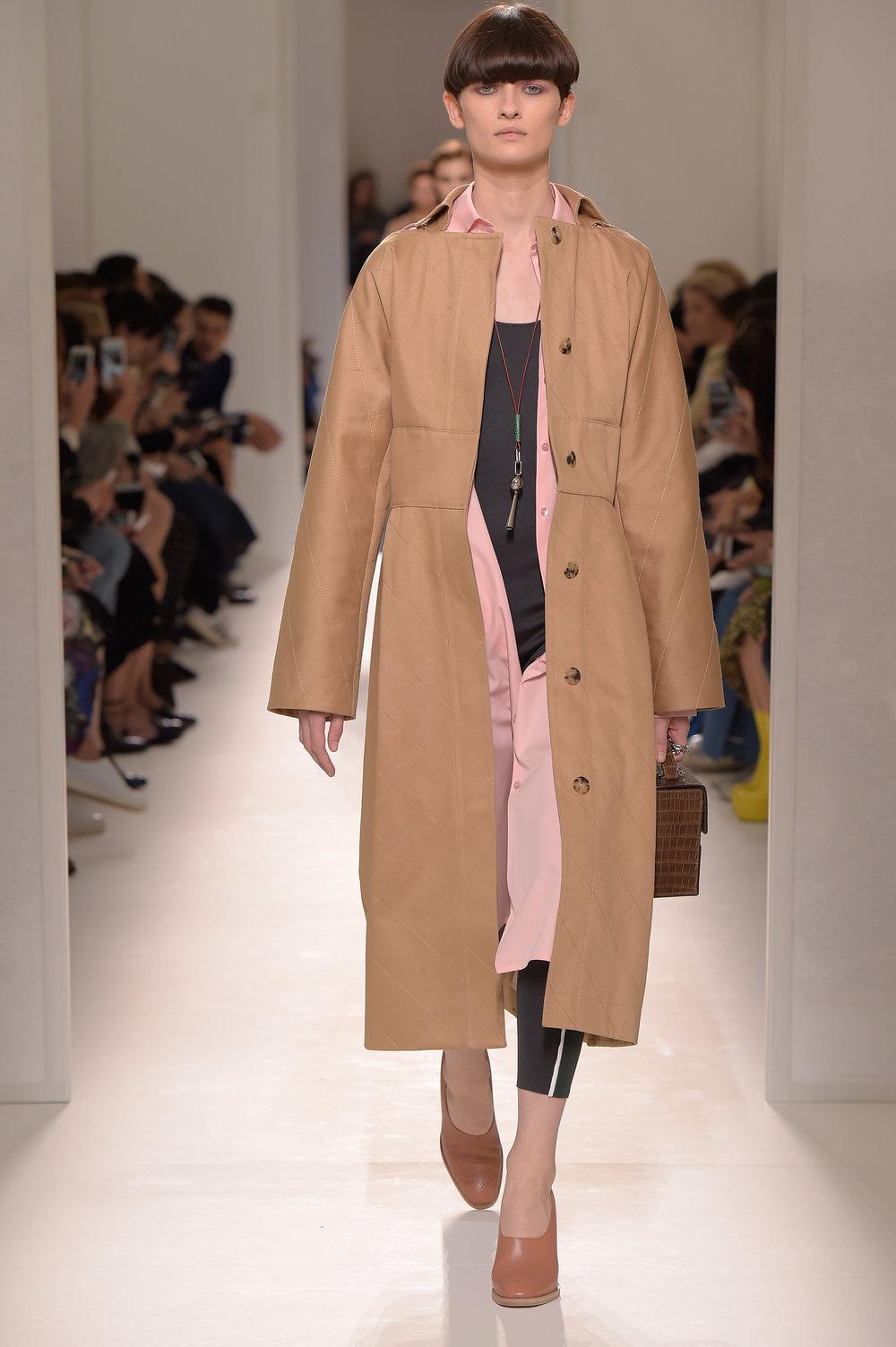 Hermès SS 2017.jpg