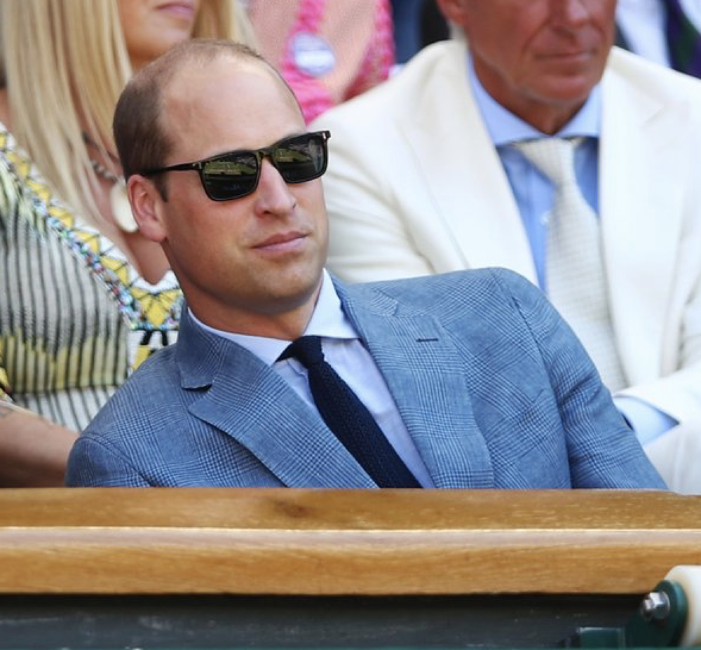 Prince William con gli occhiali.png