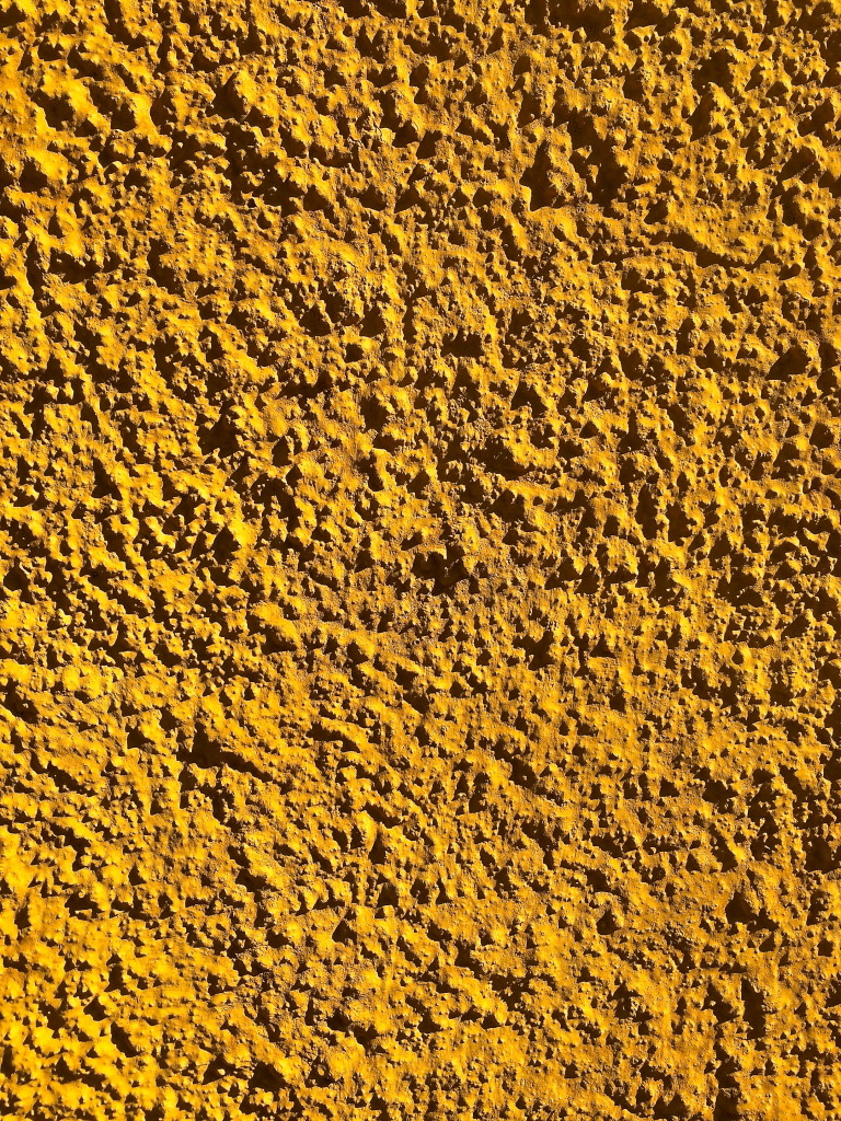 A marigochre facade… (marigold + ochre= my favorite shade of yellow)