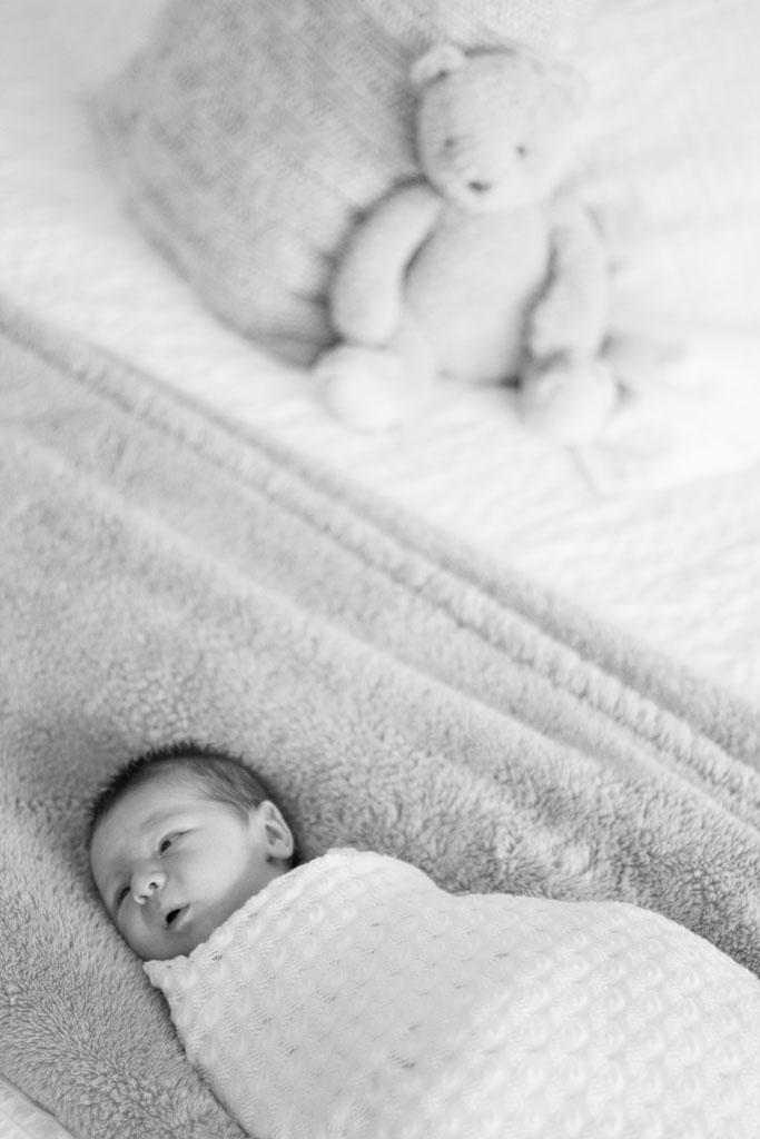 20150411 Baby Oliver LJ 0049(B&W).jpg