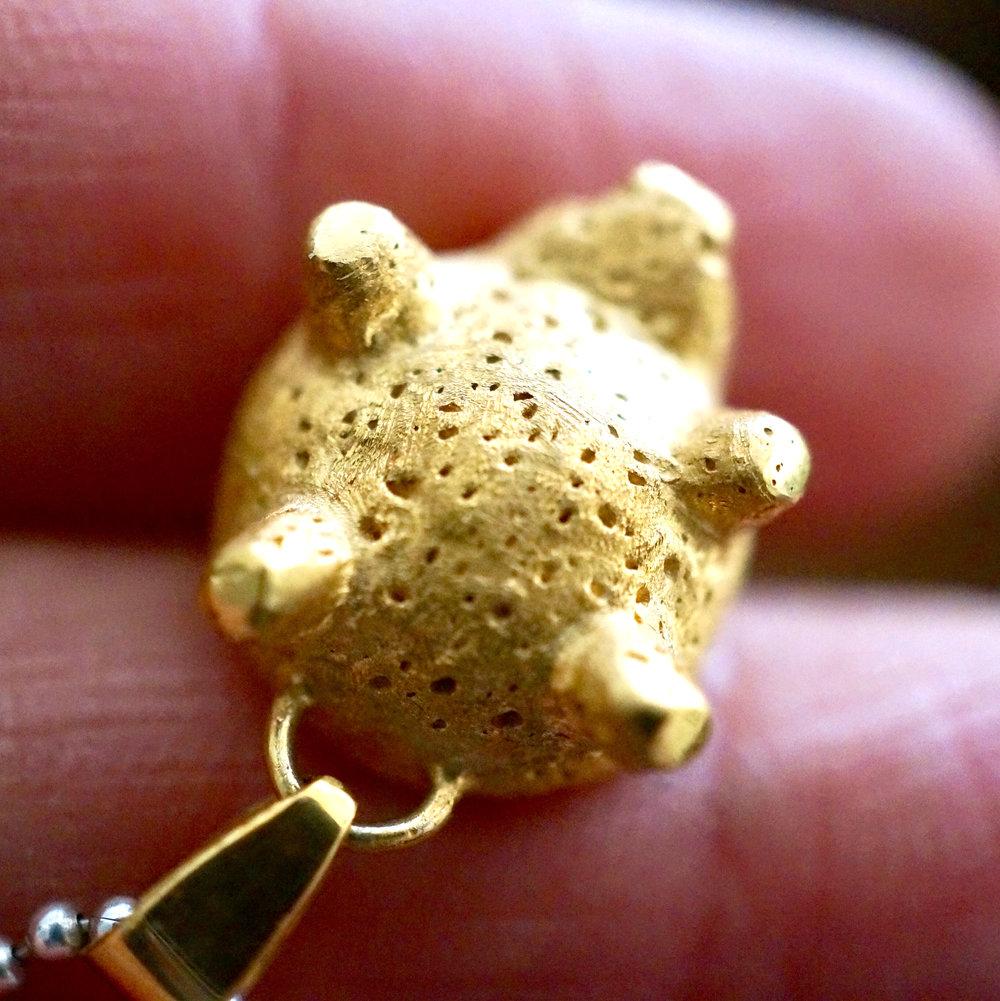 Joya en oro