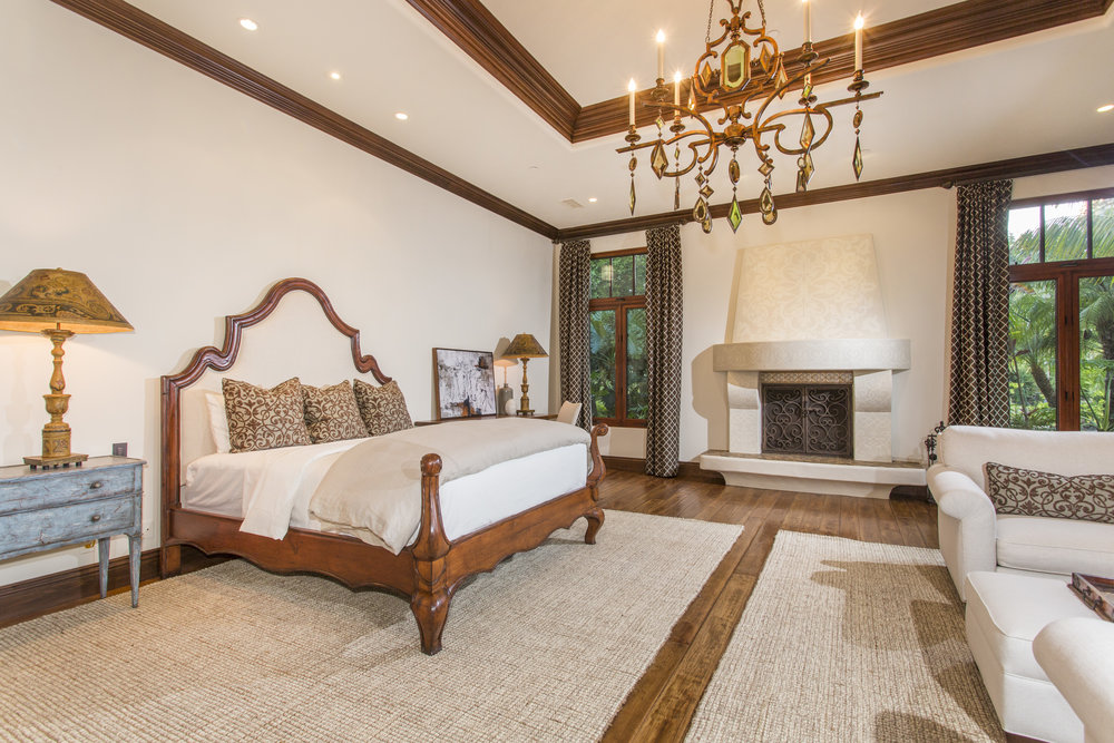 Master bedroom Fireplace.jpg