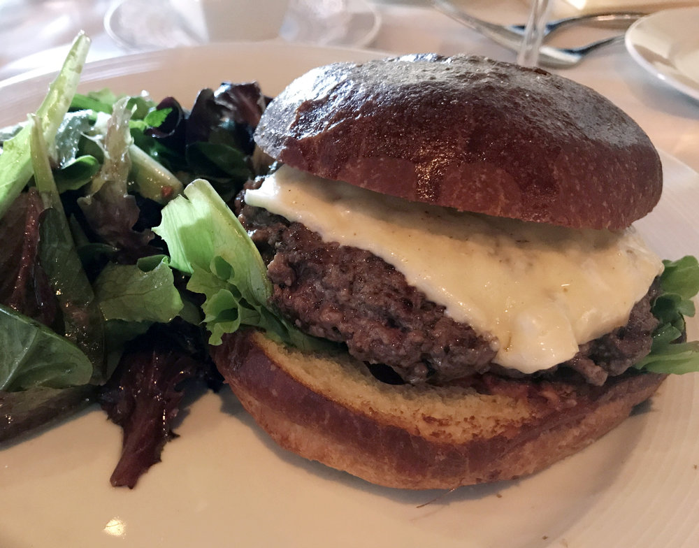 The Hamburger Fait Maison from Etoile Cuisine et Bar in Uptown Park