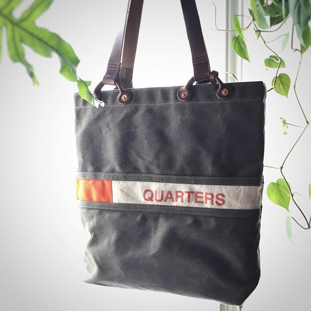 """Here's a repost from @thedaysmith! """"Hey all! I'm offering this unbranded, first-ever, one-of-a-kind, quarter edition Mint Tote for the almost-perfect-but-still-a-prototype price of $120. DM me if you're interested!"""" You can leave a comment or DM here too! Cheers! #theminttote #thedaysmith #horween #waxedcanvas #waxedcanvastote #totebag #usmint #martexin"""