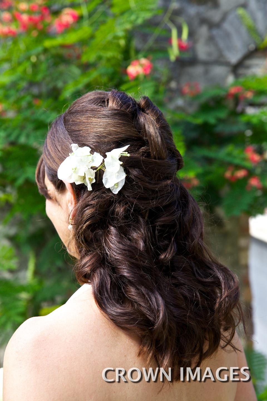 brides hair styles for a beach wedding