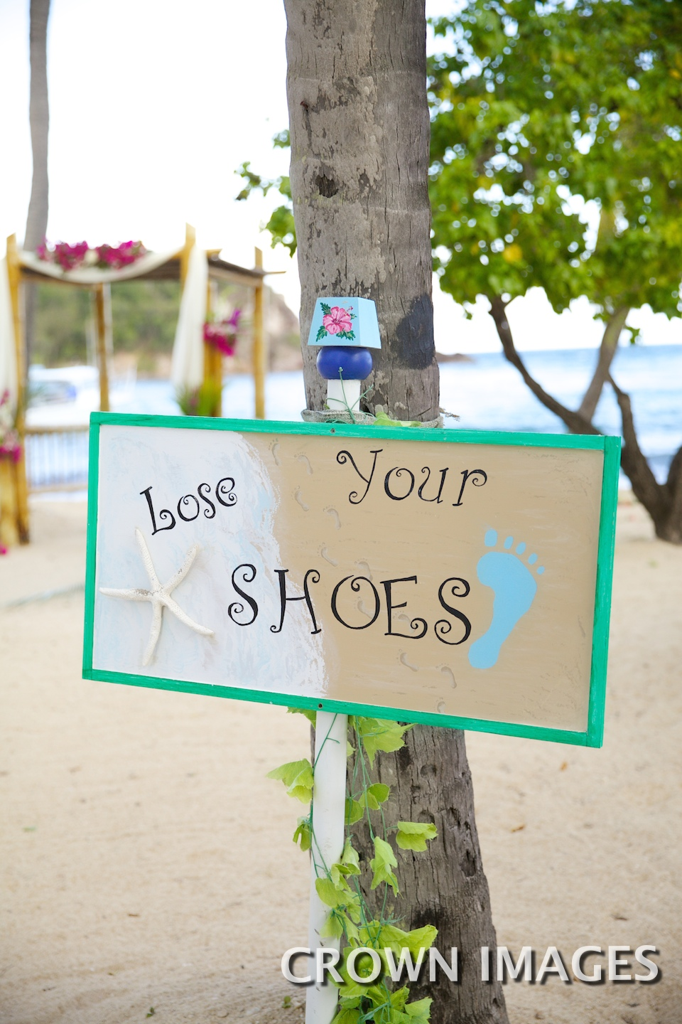 shoes optional sign for beach wedding