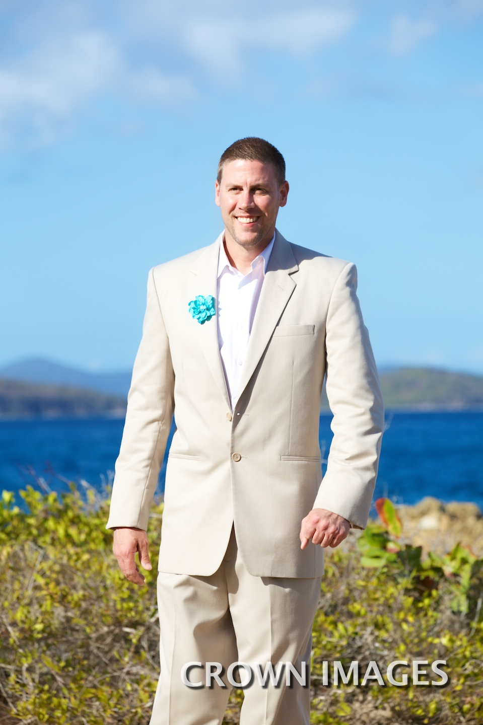 groom's first look st thomas