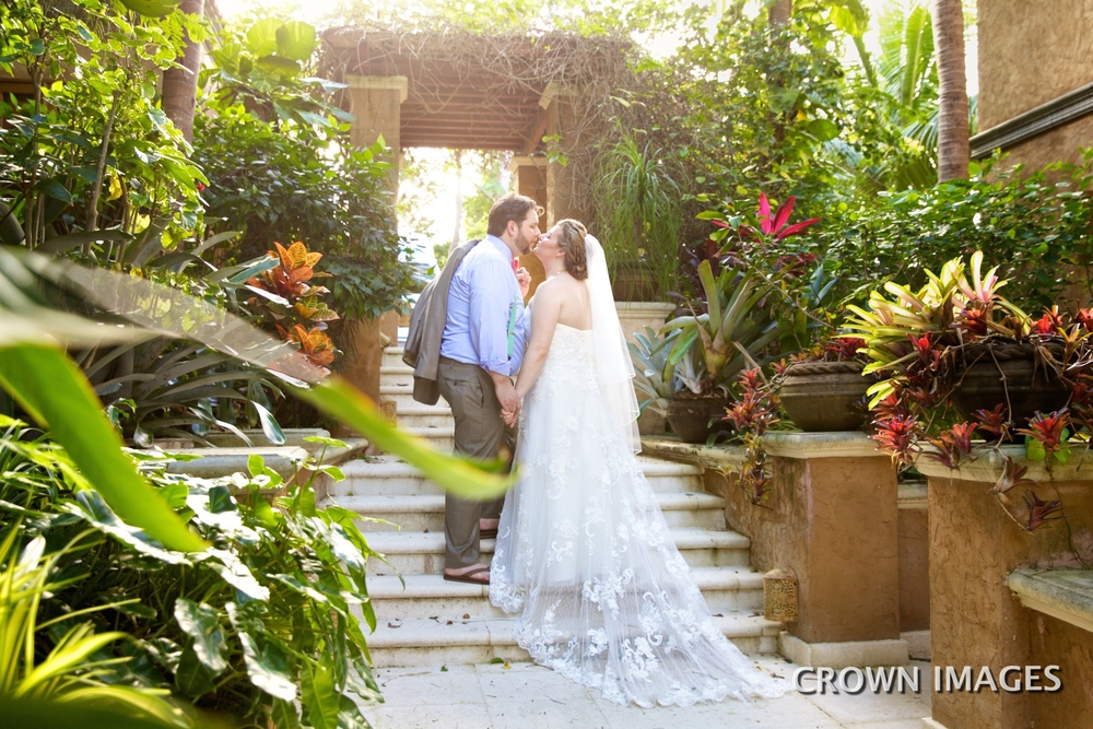 wedding photographer on st john crown images