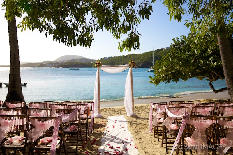 st thomas wedding ceremony on the beach